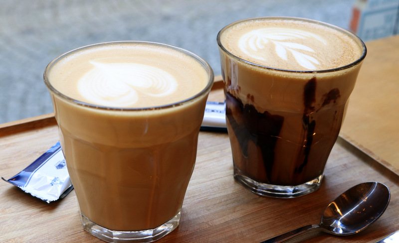 Cafune coffee bar, Bruges