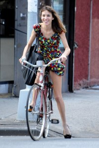 041alexa-chung-floral-jumpsuit-by-anna-sui-look-street-style-2013