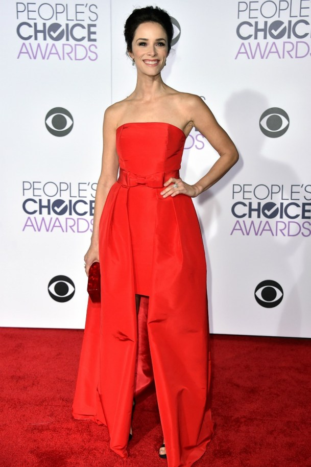 alfombra_roja_celebrities_famosos_peoples_choice_awards_2016_193106974_800x
