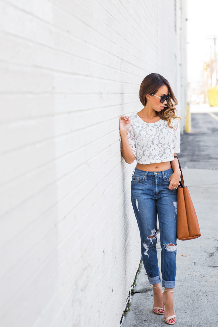 lace-and-locks-petite-fashion-blogger-lace-crop-top-boyfriend-jeans-04
