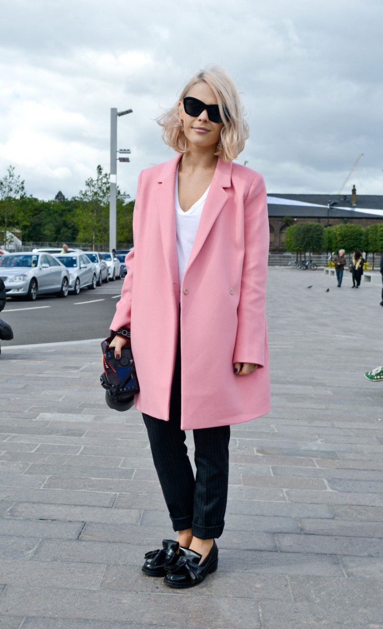 candy-pink-street-style-london-fashion-week-ss14-_-1