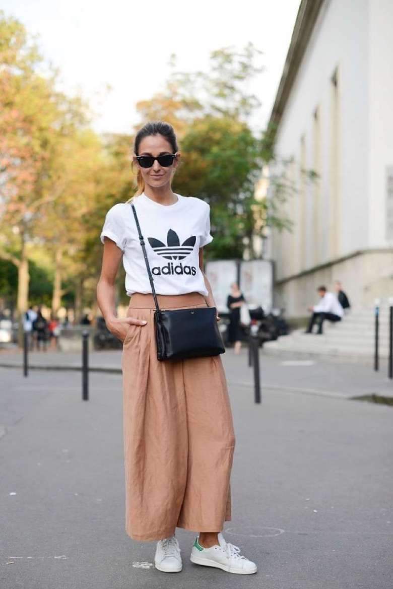 adidas-culottes-wide-leg-pants-blush-peach-adidas-sneakers-white-sneakers-stan-smith-adidas-tshirt-tee-graphic-tee-normcore-sportypfw-street-style-time-via-getty-640x959-1