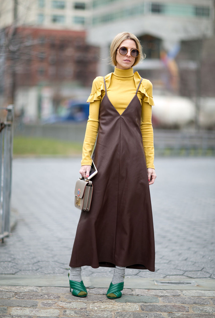 turtleneck-under-dress-outfit-idea-street-style