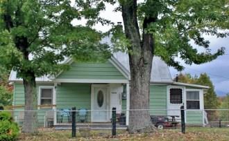 Mint Green Houses(w)# (1)
