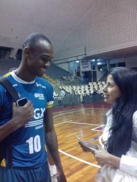 Rai entrevistando Vinícius, do RJX!
