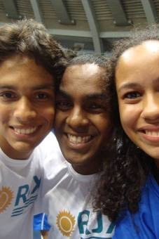 Vitor, Rafael e Mari! Animação pura!