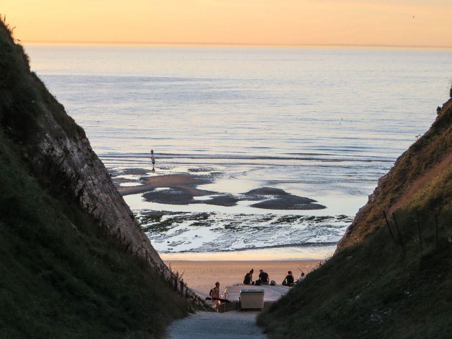 Sonnenuntergang am Strand von Escalles.