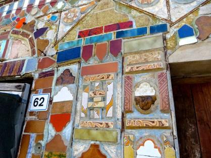 SP5 Sardinien, Kachelkunst am Haus Nr. 6262
