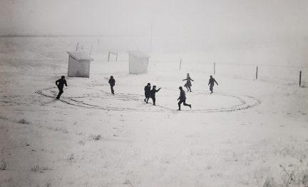 Draußen schneits, auf diesem Foto auch.