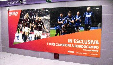 Alles Fußball: M5 Metrohaltestelle San Siro Stadio.