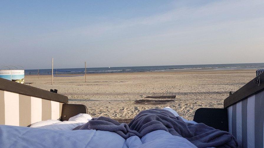 Blick vom Schlafstrandkorb auf Norderney auf den Oststrand.