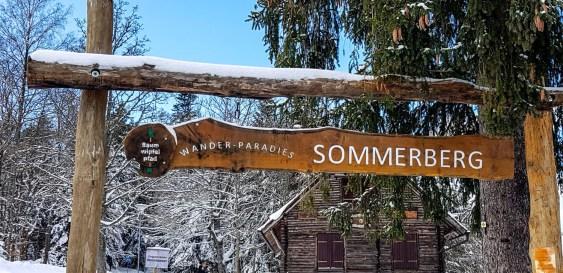 Sommerberg im Winter mit Schnee