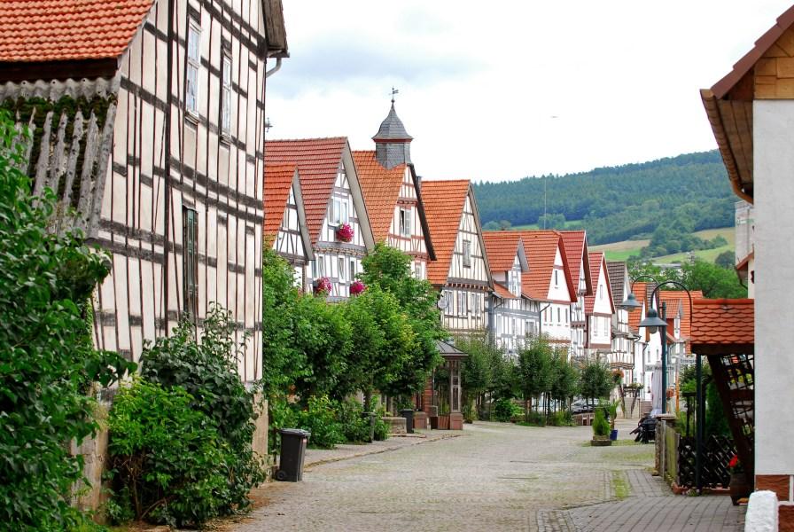 Schmucke Fachwerkghäuser in Neumorschen, Foto: Tourismus Mittleres Fuldatal