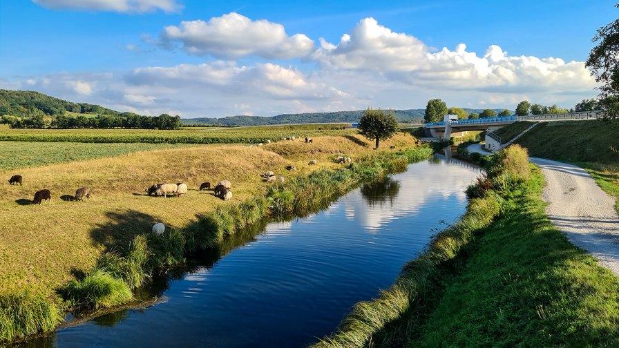 Ländliche Idylle am Alten Kanal