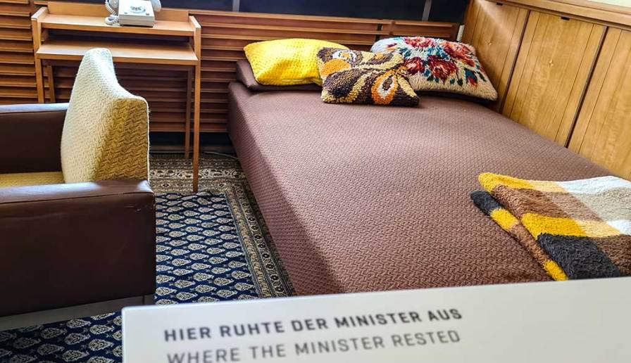 Zeitreise in die Vergangenheit - die Mielke-Etage im Look von damals... Magdalenenstraße Stasi-Museum
