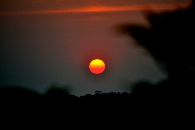 Matahari yang mulai beranjak pulang ke peraduan