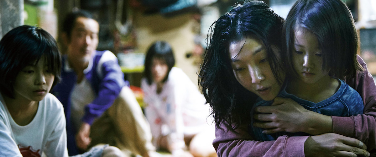 shoplifters_RogerEbert