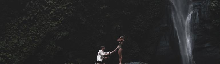 Proposal of a couple in Bali @ the Sekumpul Waterfall