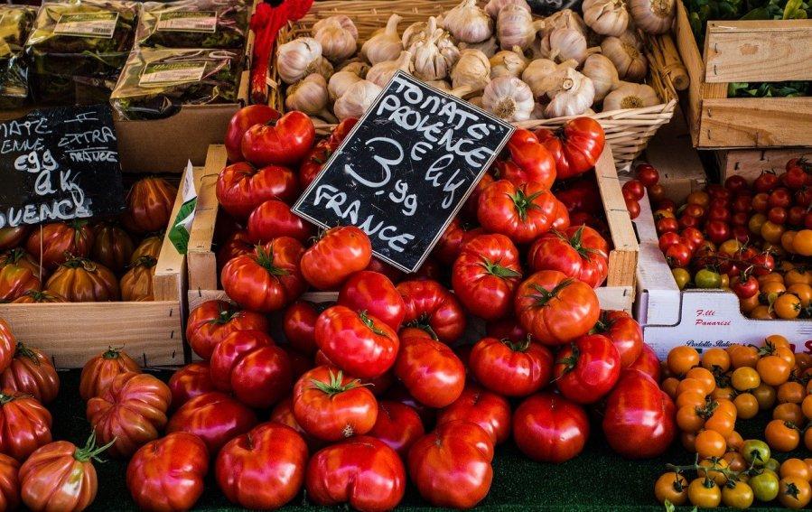 tomatoes, garlic, greens