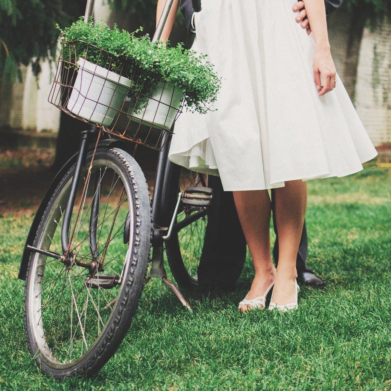 vintage woman, bicycle, vintage