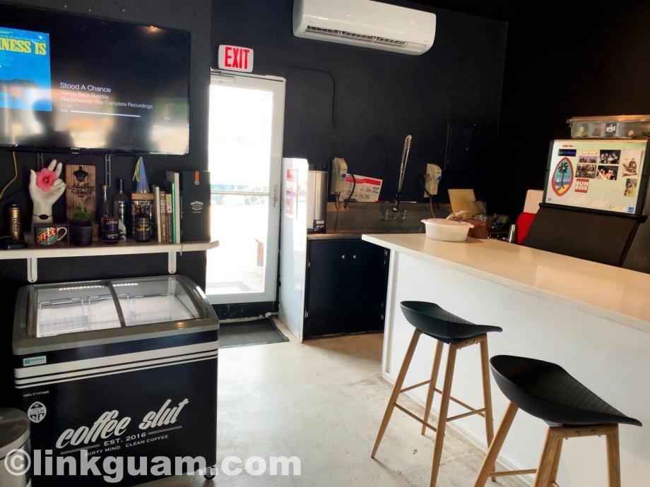 グアム カフェ 海沿い コーヒースラット guam cafe coffee slut