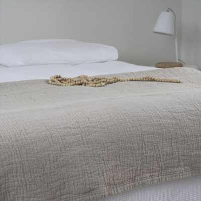 bedsprei-denver-zand-spreien-bedset-beddengoed-slaapkamer