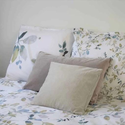 dekbedovertrek-mysti-bloemknoppen-wit-blauw