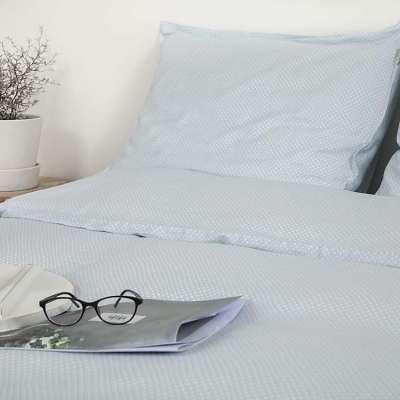 dekbedhoes in mint kleur op lichte slaapkamer