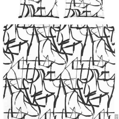 zwarte chinese tekens op dekbedovertrek met witte achtergrond