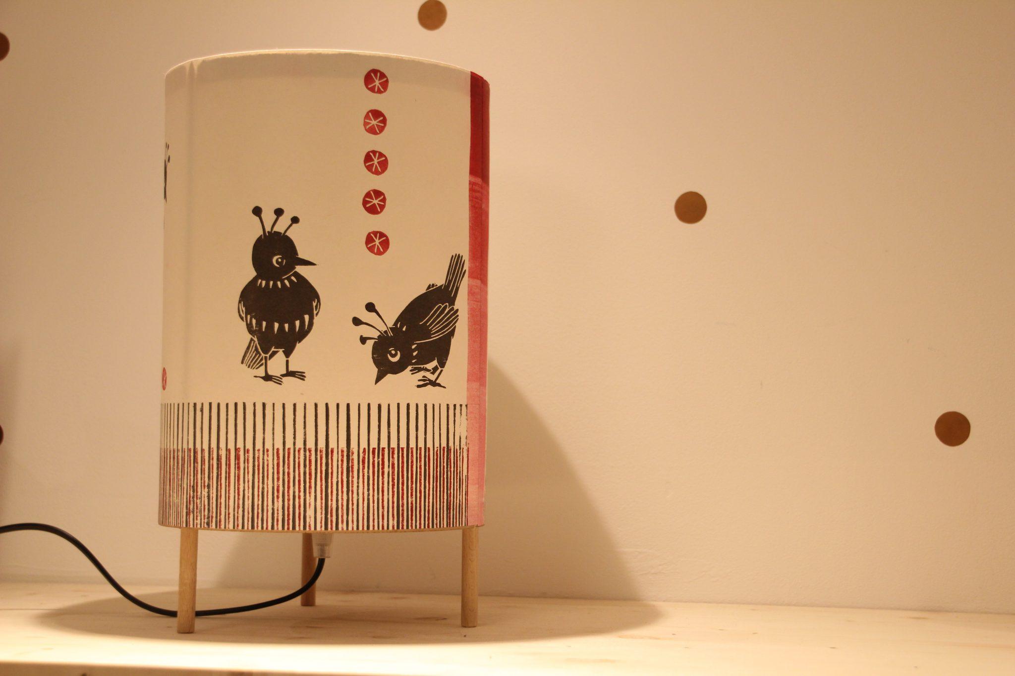 LinoLino - Linogravure et créations | Lampe oiseaux Noir&Rouge