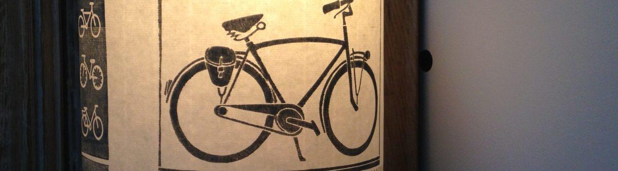 LinoLino | Linogravure et créations à partir d'impressions artisanales | Chambéry, France | Lampes | Applique nomade grand modèle, Vélo et rayures
