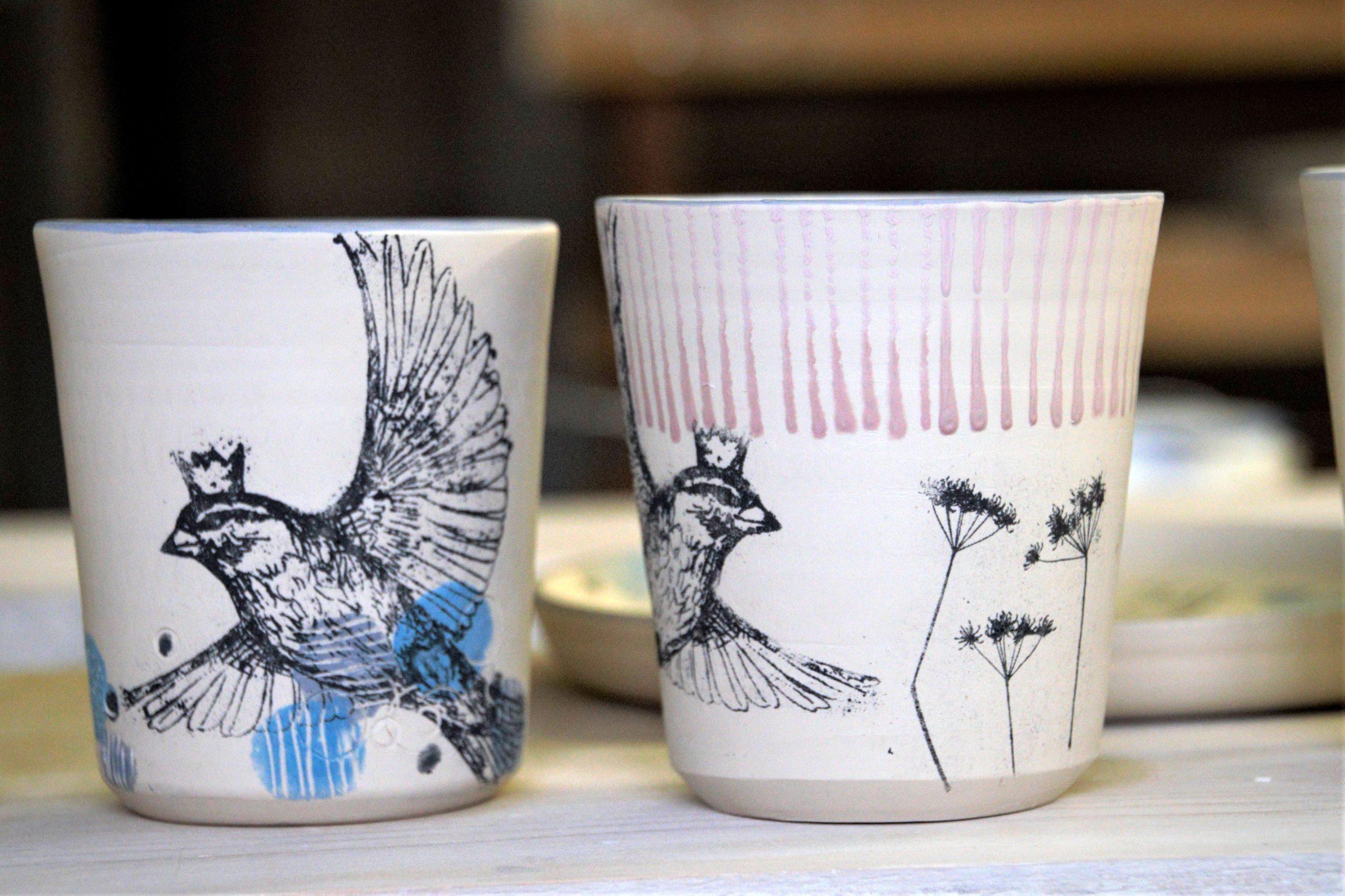 LinoLino | Linogravure et créations à partir d'impressions artisanales | Chambéry, France | Poterie collab Tant que la Terre Tourne Gobelets crus Oiseaux rayures