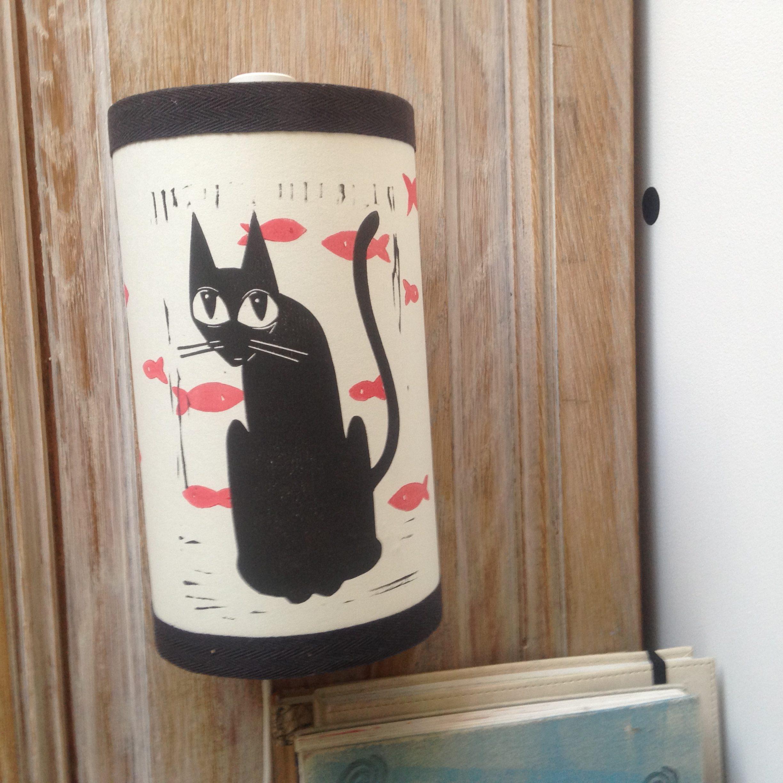 LinoLino | Linogravure et créations à partir d'impressions artisanales | Chambéry, France | Lampe applique murale linogravure chat et poissons