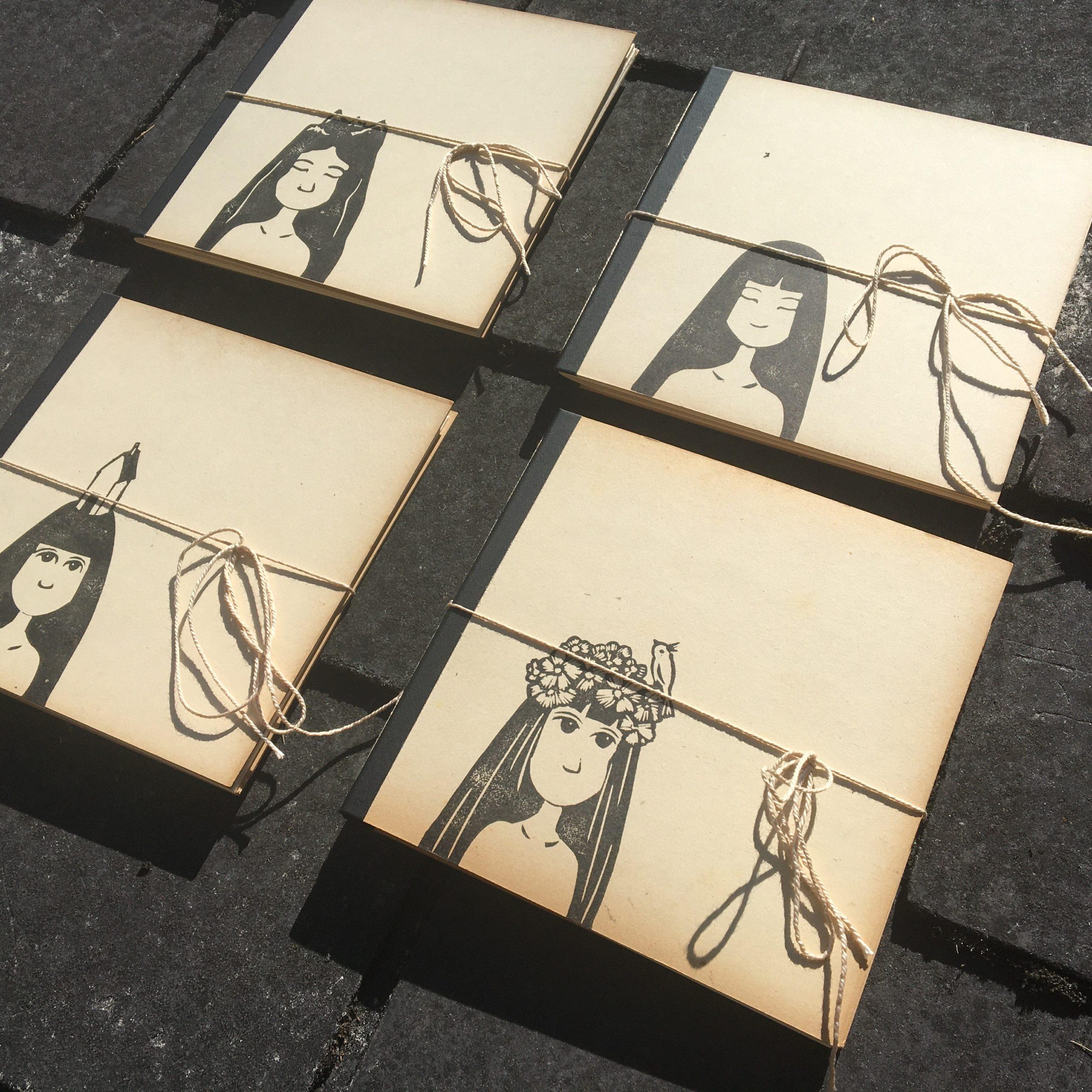 LinoLino | Linogravure et créations à partir d'impressions artisanales | Chambéry, France | Carnets linogravure reliure recyclé Tribu enfants sauvages Forge des Halles