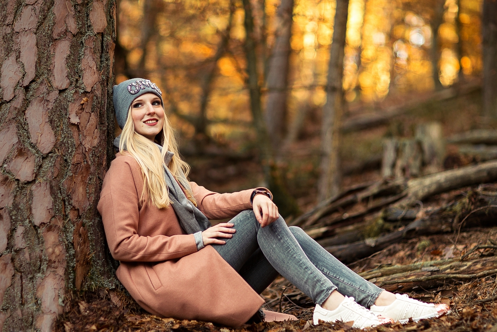 rosa Mantel, Herbsttrend, Mantel, Herbstlook, Wald, Shooting im Wald, Fotoideen, Allsaints, Bloggerin, ootd