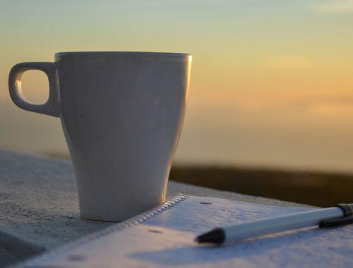Lever de soleil café écriture