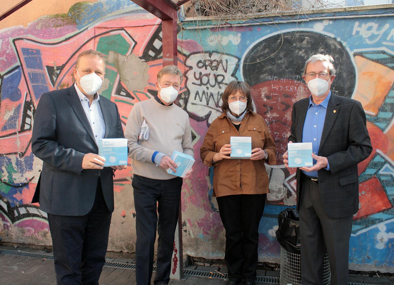 Übergabe der 2.000 FFP Masken an den VfG