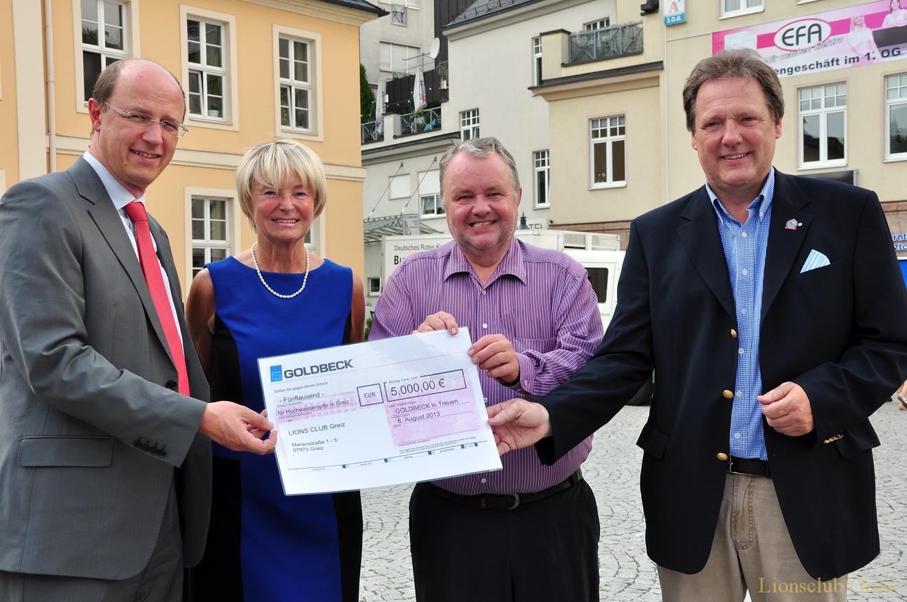 Goldbeck GmbH Treuen übergibt 5000 Euro