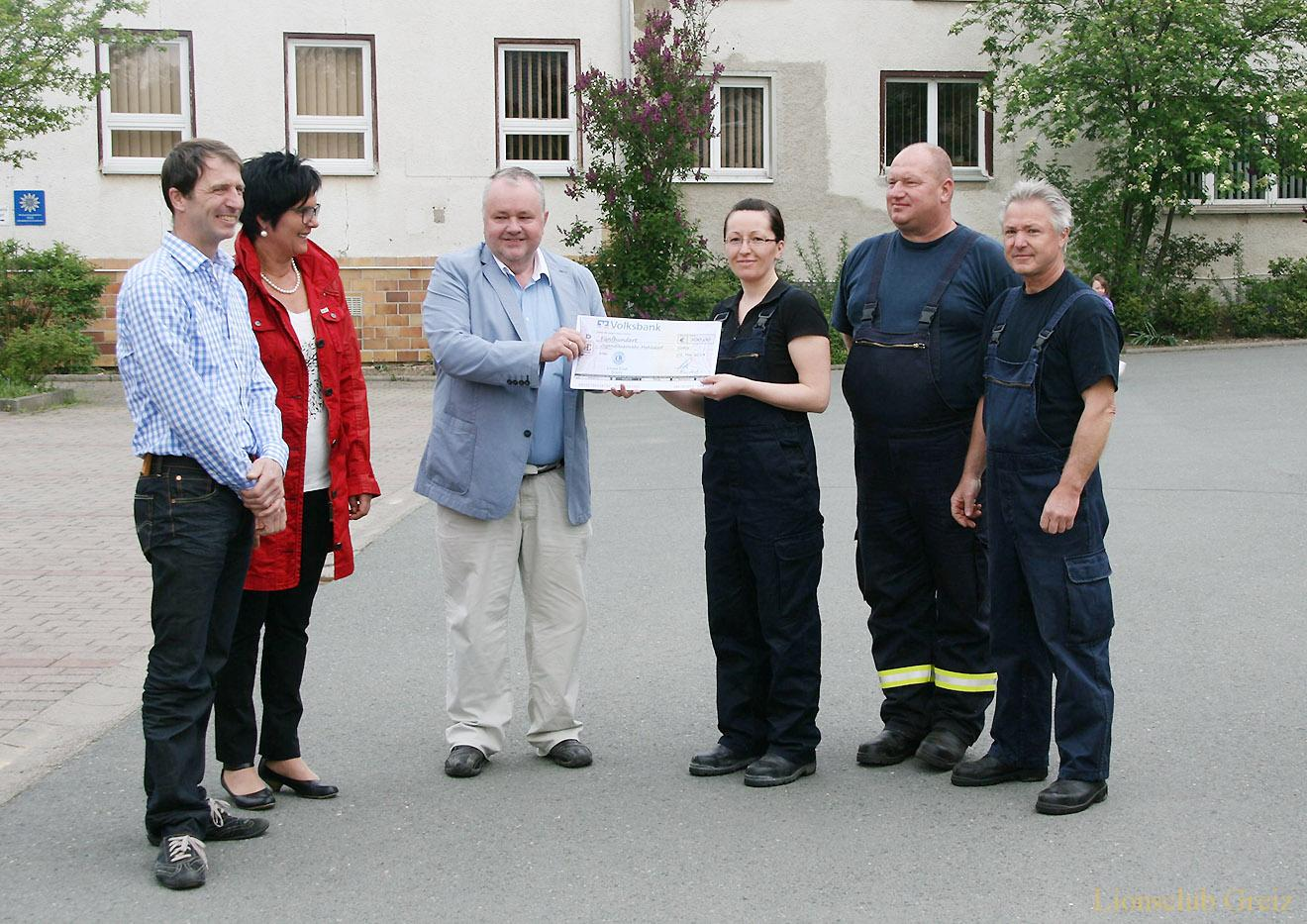 Lionsclub Greiz übergab am 1. Mai 2014 eine Spende in Höhe von 500 Euro für die Jugendfeuerwehr.