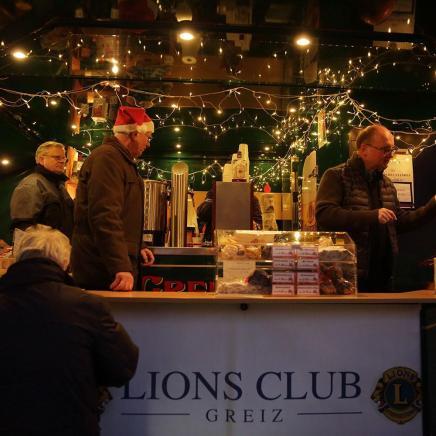 Lions-Stand auf Greizer Weihnachtsmarkt - ein Besuchermagnet