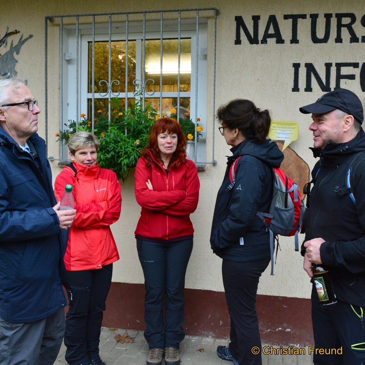 Greizer Lions Club spendet anlässlich Wanderung für Spielplatzsanierung
