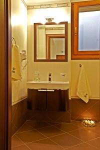 LUXURY SUITE 7-BRONZE- BATHROOM-PELION HOTEL
