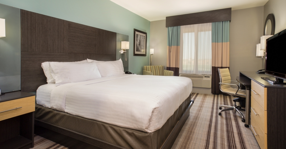 Holiday Inn Express and Suites Amarillo West King Room