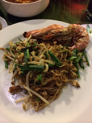 BBQ seafood & pad thai