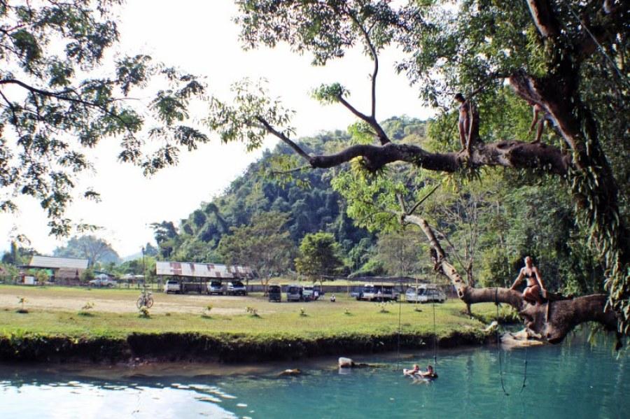 vang-vieng-d3-blue-lagoon-1024x682