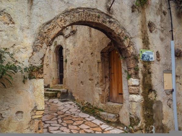 saint-jeannet-village-48_1067x800
