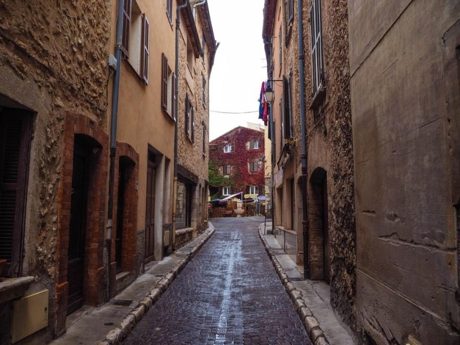 saint-jeannet-village-6_1067x800