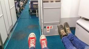 Cum să faci faci zborurile lungi mai confortabile