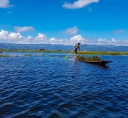tur-cu-barca-la-Inle-Lake-Myanmar-254_1680x945