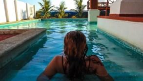 Românii din El Salvador. Casa Tortuga, Playa Dorada